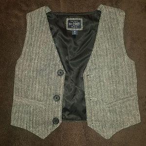 Children's Place | black houndstooth vest